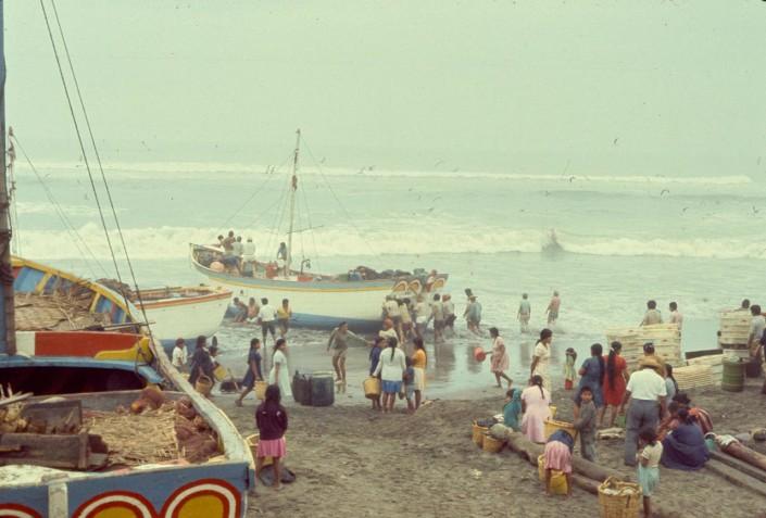 Edge of sea at Santa Rosa, Lambayeque, 1974
